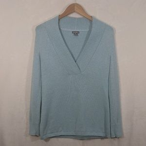⭐3 for 30 Eddie Bauer Light Blue V Neck Swe